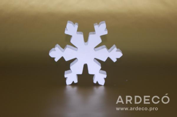 Снежинка для новогодних праздников из пенопласта