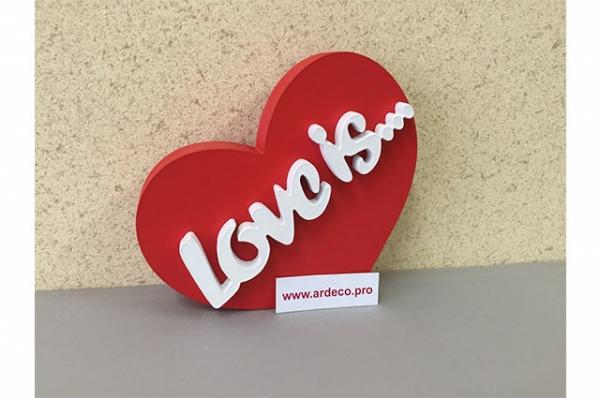 Сердце из пенопласта с объемными буквами