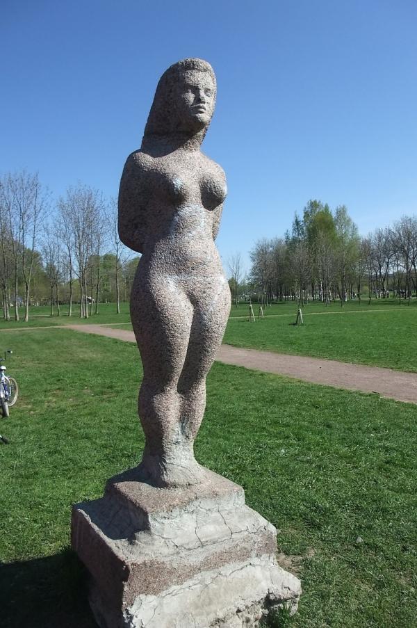 Женская скульптура Высота-1400 мм.