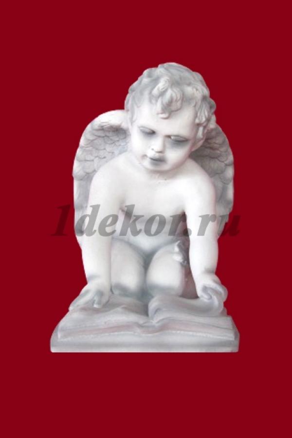 Скульптура из бетона Ангел и книга